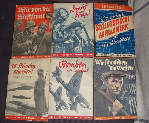 6 small war time booklets