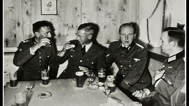 342638d1336417849-nazi-drinking-party-no