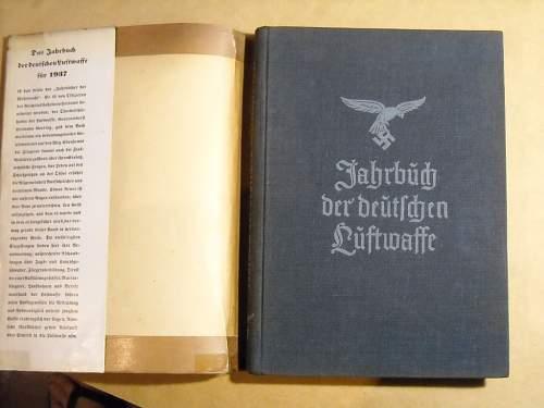 2 Jahrbuch + 1 Taschenkalender, opinions please