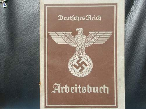 Arbeitsbuch and cigarette paper