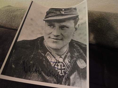 Help id signed photo of luft pilot?