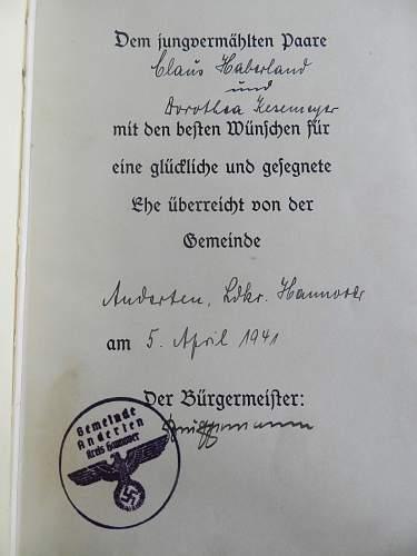 Taken by paratrooper WWII Mein Kampf 1939 has nazi handstamp- dedication page?