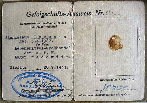 Click image for larger version.  Name:AFK ausweis-Auschwitz 1943.jpg Views:1334 Size:176.8 KB ID:63515