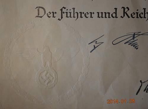 Click image for larger version.  Name:Mutterkreuz Erste Stufe Seal.jpg Views:159 Size:201.3 KB ID:637850