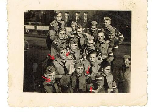 Fake Hitler Youth Photo?