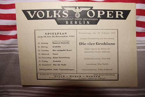 staats theater Berlin/ deutsches opera magazine/folio and booklets