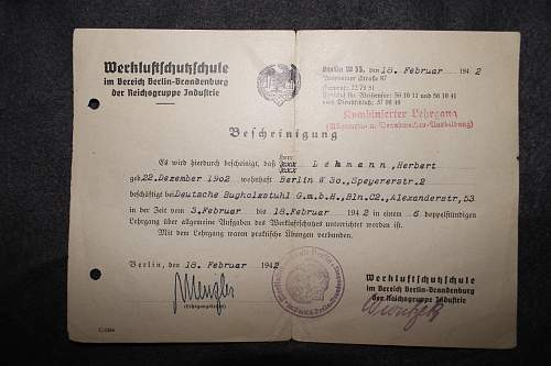 werkluftschutzschule bescheinigung 18 february 1942 and DAF auweiskarte