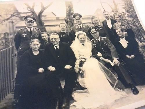 Wedding photo, can you help me?