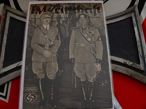 Hitler wearing a dagger???