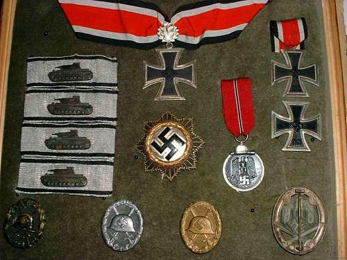 Click image for larger version.  Name:ProfDrBodoSpranzmedals.jpg Views:91 Size:140.6 KB ID:761484