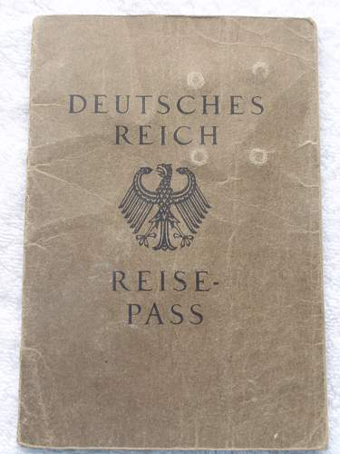 Click image for larger version.  Name:Deutsches Reich Reise Pass 25-05-1934 front.jpg Views:652 Size:210.6 KB ID:767332