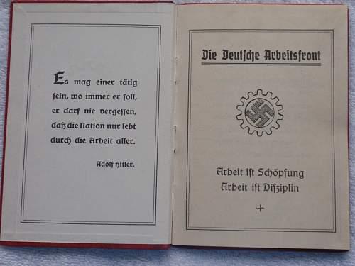 Click image for larger version.  Name:Die Deutsche Arbeitsfront Mitgleidsbuch 1 Januar 1935 first page.jpg Views:257 Size:168.8 KB ID:767340