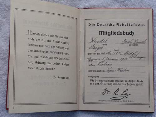 Click image for larger version.  Name:Die Deutsche Arbeitsfront Mitgleidsbuch 1 Januar 1935 page 2-3.jpg Views:96 Size:190.9 KB ID:767343