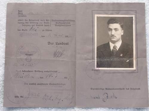 Just some nice paper to share: Die Deutsche Arbeitsfront Mitgleidsbuch, Deutsches Reich Kennkarte  etc