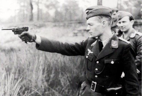 Post your sidearm photos!