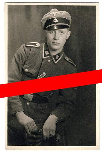 "SS-Totenkopf , ""mirrored"" collar tabs"