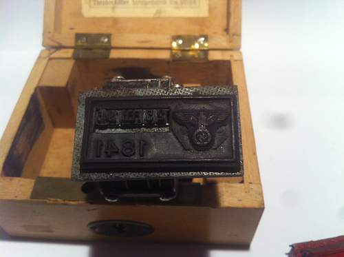 Parachute inspectors stamper and case