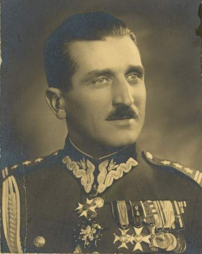 Click image for larger version.  Name:Plk Wincenty Kowalski later General Brygady KW 1st Type with 3 Bars.jpg Views:35 Size:208.3 KB ID:1002237
