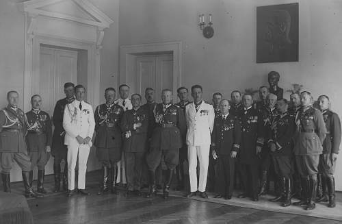 Click image for larger version.  Name:13th July 1932 Warsaw French Military Mission after receiving awards from Gen Fabrycy (2).jpg Views:68 Size:203.1 KB ID:1020080