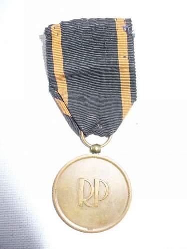 Click image for larger version.  Name:medal niepodległości znak mennicy 3.jpg Views:66 Size:41.9 KB ID:103122