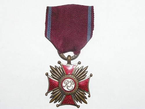 Click image for larger version.  Name:srebrny krzyż zasługi-1923 1.jpg Views:45 Size:61.6 KB ID:103147