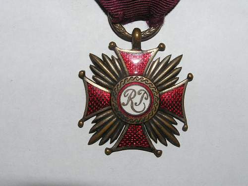 Click image for larger version.  Name:srebrny krzyż zasługi-1923 2.jpg Views:76 Size:67.2 KB ID:103148