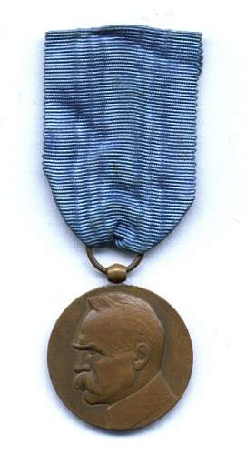 Click image for larger version.  Name:II RP MEDAL DŻIESIĘCIOLECIA 69zl.jpg Views:83 Size:36.0 KB ID:115070