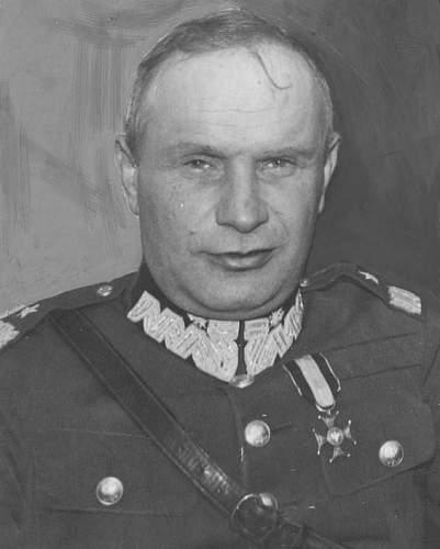 Click image for larger version.  Name:General Wladyslaw Boncza Uzdowski VM.jpg Views:297 Size:65.5 KB ID:117813