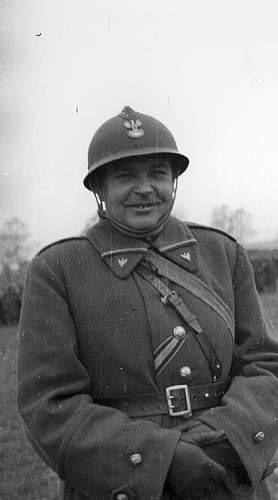 Click image for larger version.  Name:3rd May 1940 Autreville Martigny Polish Officer VM.jpg Views:835 Size:56.3 KB ID:117820
