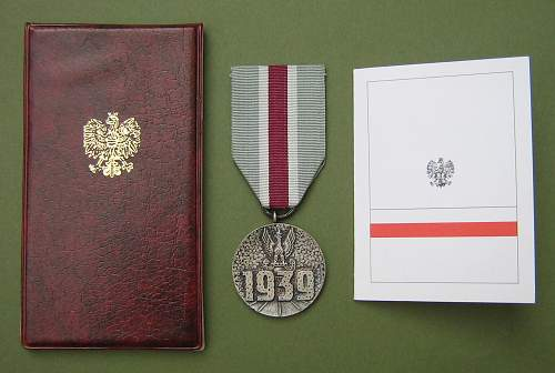 Click image for larger version.  Name:Sept 39 Campaign Medal 005.jpg Views:77 Size:224.3 KB ID:131356