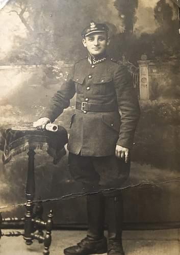 Can anyone identify this Polish army uniform from WW1?