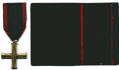 Click image for larger version.  Name:Cross of Independence & Award Booklet Aleksander Rogalski rev resize.JPG Views:112 Size:30.4 KB ID:165706