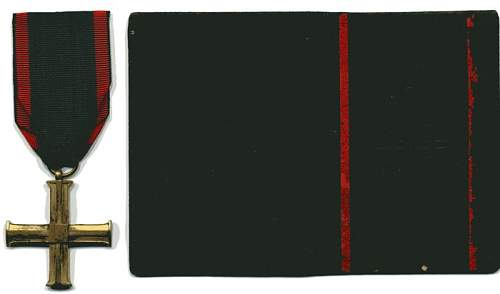 Click image for larger version.  Name:Cross of Independence & Award Booklet Aleksander Rogalski rev resize.JPG Views:98 Size:30.4 KB ID:165706