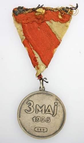 Click image for larger version.  Name:Medal 3 Maja z dokumentem nadania (1).jpg Views:111 Size:38.3 KB ID:170768
