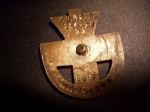 POS  Metal insignia war-time?
