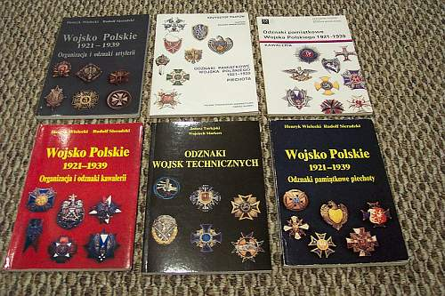 Click image for larger version.  Name:badge ref books.jpg Views:128 Size:147.4 KB ID:271480