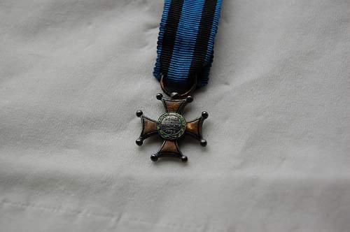 Virtuti Militari miniature medals