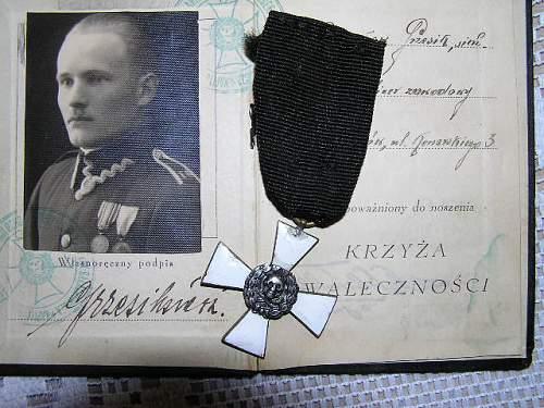 Click image for larger version.  Name:Krzyż Bałachowicza z legitymacją-2-RP 1500 zl.jpg Views:134 Size:76.0 KB ID:289917