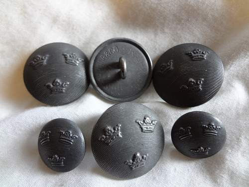 either polish or german skull badge and eagle badge?