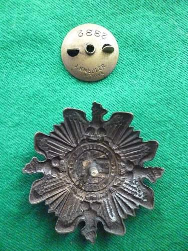 Click image for larger version.  Name:Defenders of the Eastern Borderlands badge back.jpg Views:94 Size:276.9 KB ID:351843
