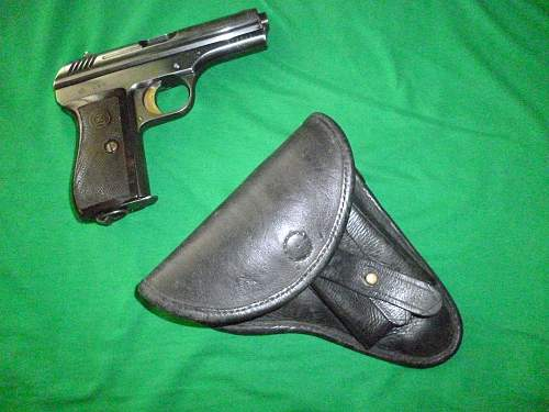 Click image for larger version.  Name:vz.24 with prewar Czech issue holster front flash.jpg Views:1744 Size:255.3 KB ID:352279