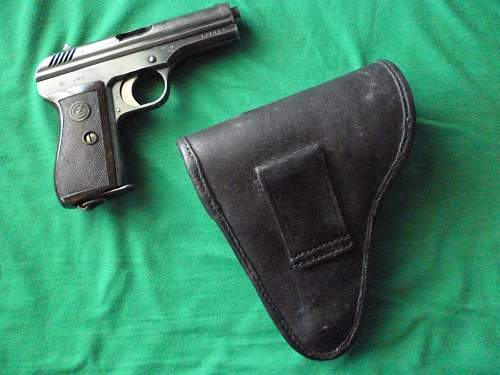 Click image for larger version.  Name:vz.24 with prewar Czech issue holster back.jpg Views:885 Size:251.8 KB ID:352280