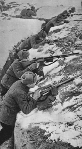 Click image for larger version.  Name:Soviet troops with rkm wz.28 (2).jpg Views:787 Size:77.5 KB ID:356228