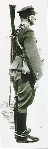 Click image for larger version.  Name:soldier carrying wz.35 AT side.jpg Views:89 Size:29.2 KB ID:357941