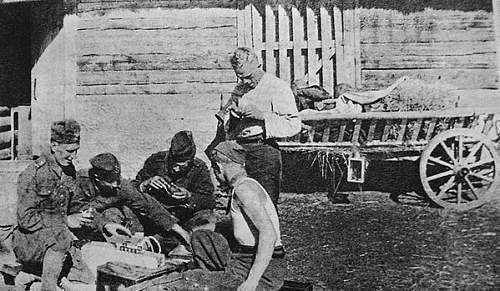 Click image for larger version.  Name:prewar Poland fusing grenades.jpg Views:240 Size:78.8 KB ID:359305