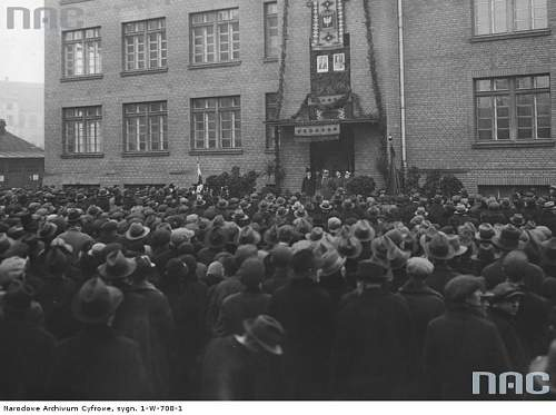 Click image for larger version.  Name:Armoury No. 2 Warsaw.jpg Views:93 Size:63.4 KB ID:362835