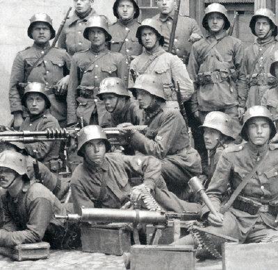 Name:  1920 rok 1 Pulk Strzelców Wilenskich z ckm Hotchkiss wz.14..jpg Views: 2331 Size:  58.3 KB