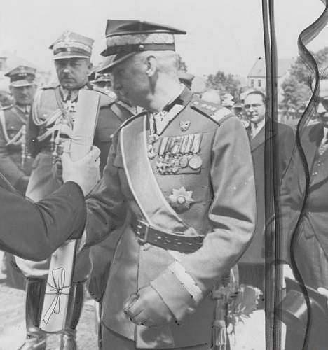 Click image for larger version.  Name:General Edmund Knoll Kownacki with Gen Sosnkowski in Noty Tomyslu July 1938.jpg Views:382 Size:99.1 KB ID:423173