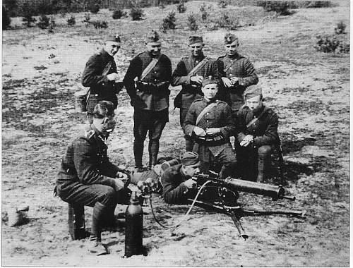 Click image for larger version.  Name:ckm0003 Training classes with shooting - Szkola Podoficerska Piechoty dla Maloetnich nr.1 w Koni.jpg Views:589 Size:131.3 KB ID:484130