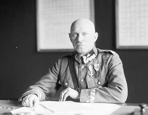Click image for larger version.  Name:Gen Br St Szeptycki at his desk.jpg Views:91 Size:54.8 KB ID:564466